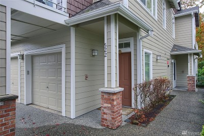 Sammamish Condo/Townhouse For Sale: 524 241st Lane SE #D1