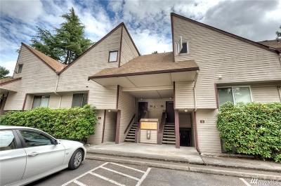 Bellevue Condo/Townhouse For Sale: 4404 146 Place NE #N1