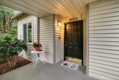 Issaquah Condo/Townhouse For Sale: 4423 248th Lane SE #4423