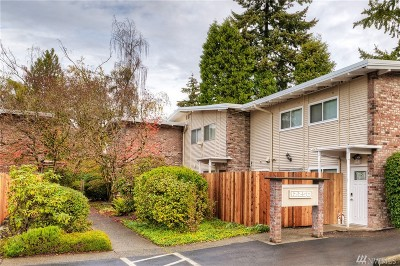 Bellevue Condo/Townhouse For Sale: 12250 SE 60th St #55
