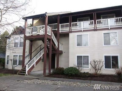 Mukilteo Condo/Townhouse For Sale: 12303 Harbour Pointe Blvd #DD302