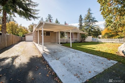 Lakewood Single Family Home For Sale: 8900 Highland Ave SW