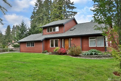 Clinton Single Family Home Pending: 6391 Cedar Cove Lane