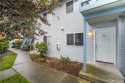 Oak Harbor Condo/Townhouse For Sale: 730 SE 8th Ave #C102