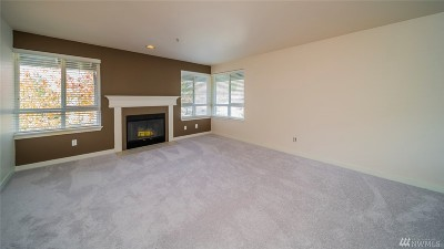 Bothell Condo/Townhouse For Sale: 3914 243rd Place SE #L401