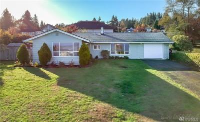 Tacoma Single Family Home For Sale: 8601 East Side Dr NE