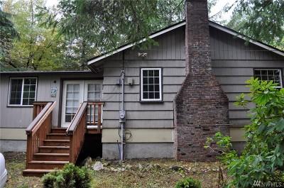 Mason County Single Family Home Pending: 910 E Trails End Dr
