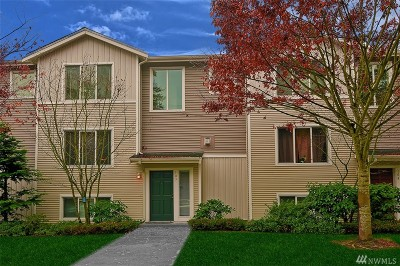 Mountlake Terrace Condo/Townhouse For Sale: 5506 240th St SW #A-3