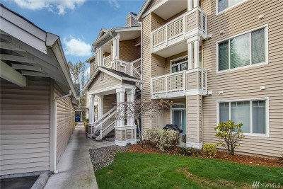 Bothell Condo/Townhouse For Sale: 15300 112th Ave NE #A301