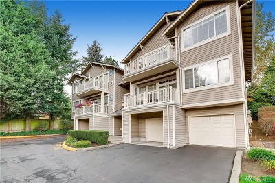 Redmond Condo/Townhouse For Sale: 18660 NE 56th Ct