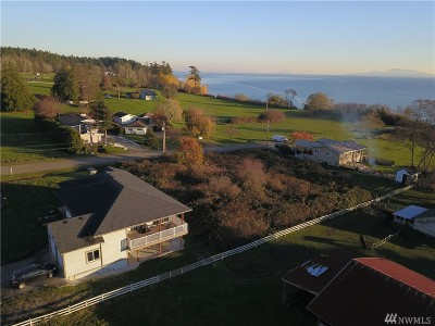 Point Roberts Single Family Home For Sale: 2031 Cliffside Dr