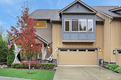 Sammamish Condo/Townhouse For Sale: 900 228th Ave NE #9D