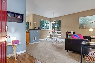 Bothell Condo/Townhouse For Sale: 12006 NE 204 Place #B-304