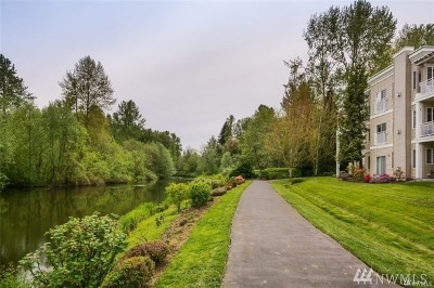Bothell Condo/Townhouse For Sale: 17426 Bothell Wy NE #A408