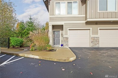 Snohomish Condo/Townhouse For Sale: 1900 Weaver Rd #M102