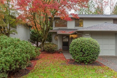 Redmond Condo/Townhouse For Sale: 16006 NE 41st Ct #11-A