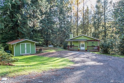 Bellingham Single Family Home For Sale: 132 Polo Park Dr