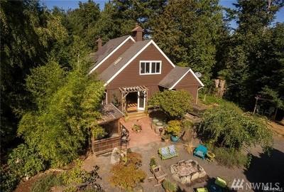 Bellingham Single Family Home Pending Inspection: 5603 Northwest Dr