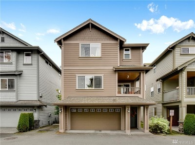Lynnwood Condo/Townhouse For Sale: 1222 162nd Place SW