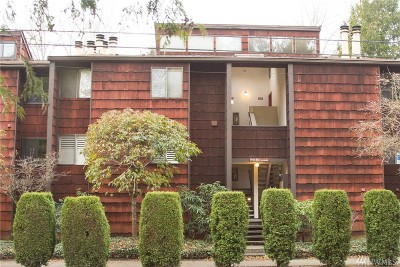 Seattle Condo/Townhouse For Sale: 8951 Ravenna Ave NE