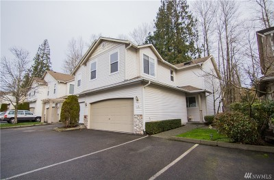 Bothell Condo/Townhouse For Sale: 2201 192nd St SE #F4