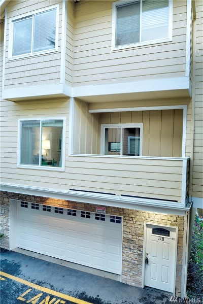 Burien Condo/Townhouse For Sale: 103 SW 119th St #3B