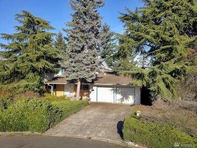 Kent Single Family Home For Sale: 26403 Cambridge Dr