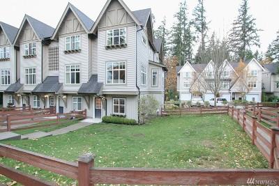 Redmond Condo/Townhouse For Sale: 22549 NE Alder Crest Lane