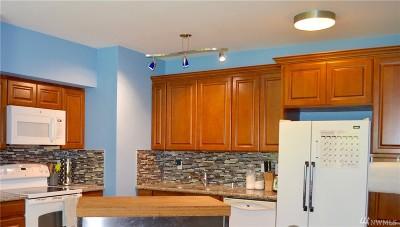 Auburn Condo/Townhouse For Sale: 31900 104th Ave SE #C102