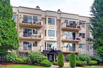 Bellevue Condo/Townhouse For Sale: 200 99th Ave NE #14