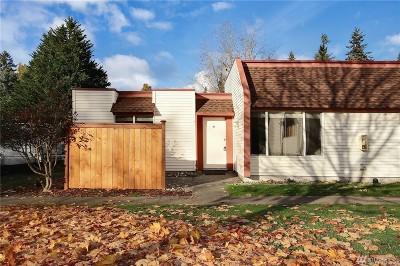 Renton Condo/Townhouse For Sale: 14600 SE 176th St #V1