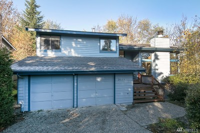 Lake Forest Park Single Family Home For Sale: 20129 47th Ave NE