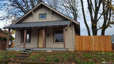 Centralia Single Family Home For Sale: 107 W Chestnut St