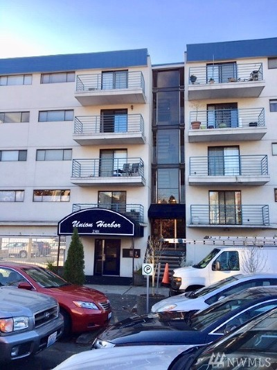 Seattle Condo/Townhouse For Sale: 2301 Fairview Ave E #105