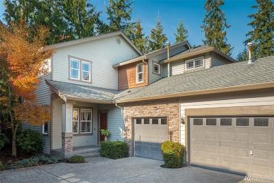 Redmond Condo/Townhouse For Sale: 10725 221st Lane NE