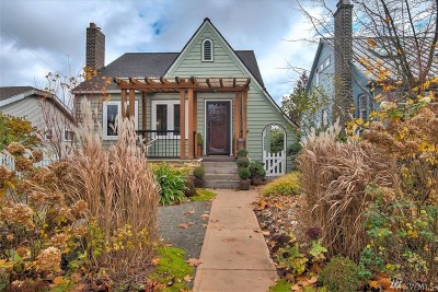 Seattle Single Family Home For Sale: 5030 36th Ave SW
