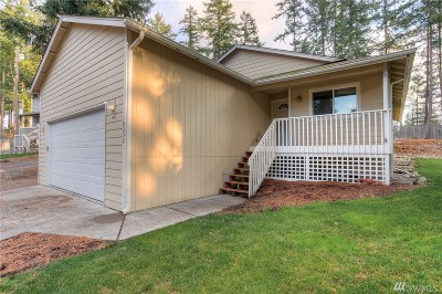 Yelm Single Family Home For Sale: 18232 Rampart Dr SE