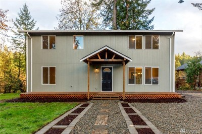 Yelm Single Family Home For Sale: 21803 Meadow Ct SE