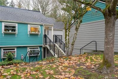 Kirkland Condo/Townhouse For Sale: 11433 105th Ct NE