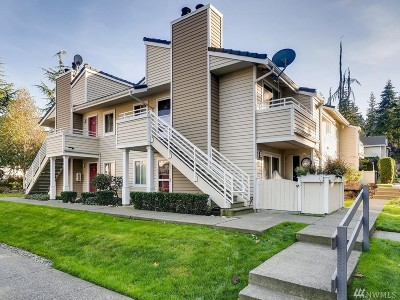 Mountlake Terrace Condo/Townhouse For Sale: 21305 52nd Ave W #A-104