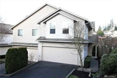 Lake Stevens Condo/Townhouse For Sale: 8710 1st Place NE #B