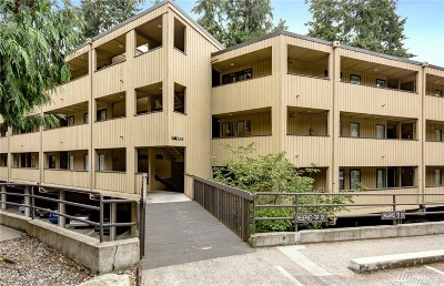 Bellevue WA Condo/Townhouse For Sale: $329,990