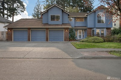 Single Family Home For Sale: 16915 SE Fisher Dr