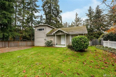 Everett Single Family Home For Sale: 2208 Lake Heights Dr