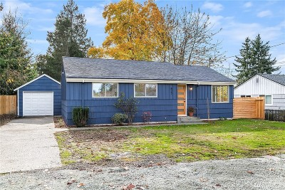 Seattle Single Family Home For Sale: 827 SW 126th St