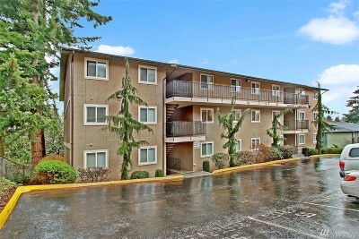 Everett Condo/Townhouse For Sale: 323 75th St SE #B-6