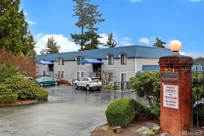 Bremerton Condo/Townhouse For Sale: 924 Shorewood #B-17