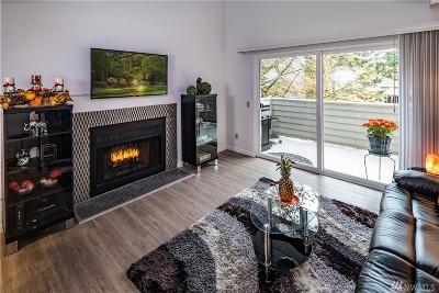 Kirkland Condo/Townhouse For Sale: 11909 93rd Lane NE #302