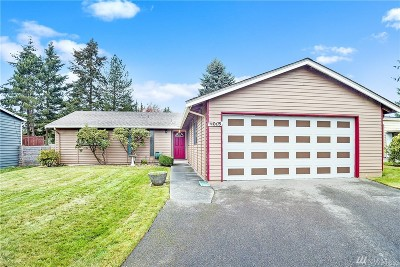 Lynnwood Single Family Home For Sale: 4015 192nd Place SW