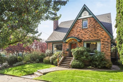 Seattle Single Family Home For Sale: 2121 30th Ave S